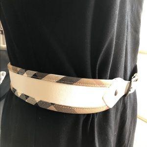 EUC Authentic Burberry White Belt
